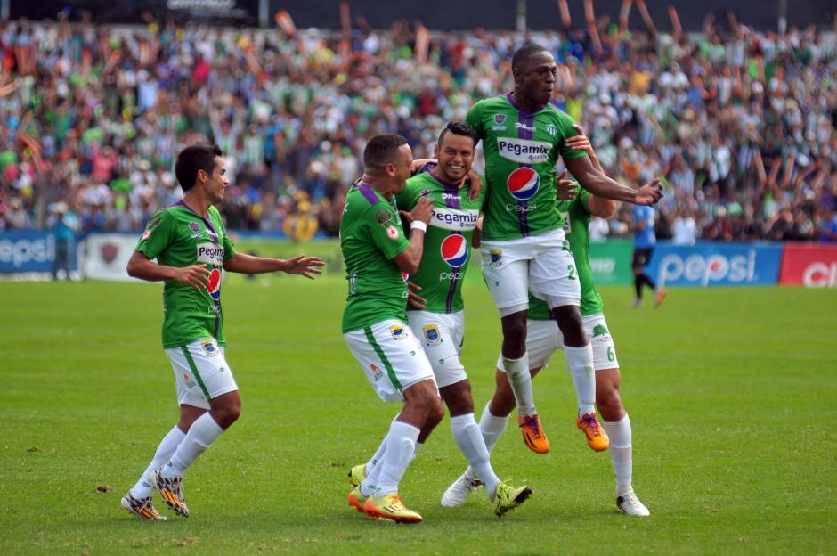 El gol de Édgar Chinchilla aseguró el campeonato de Antigua GFC al minuto 74 del juego en el Pensativo. (Foto: Nuestro Diario)