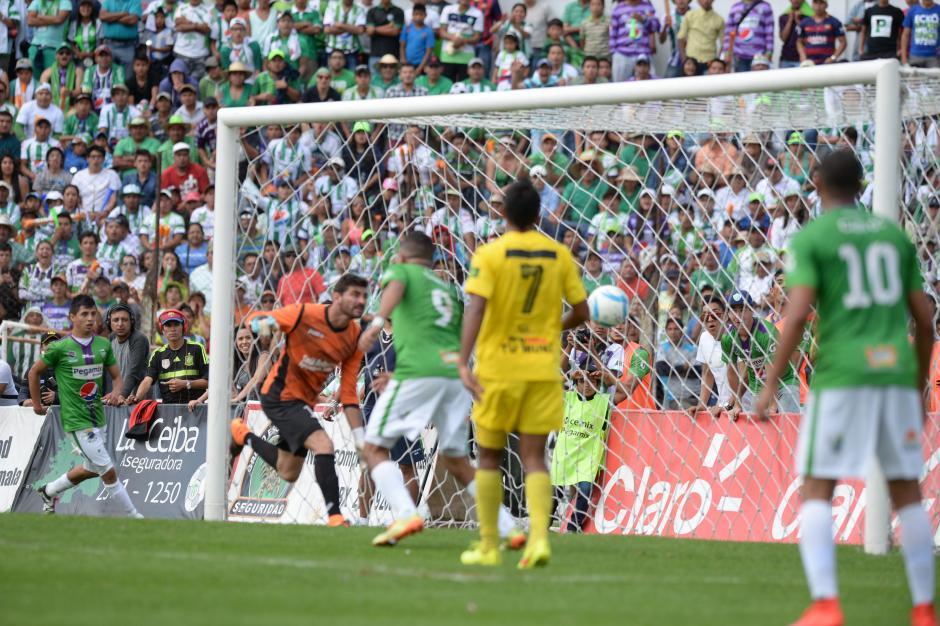El gol de Édgar Chinchilla que puso el 2-0 definitivo y le dio el campeonato a Antigua GFC. (Foto: Nuestro Diario)