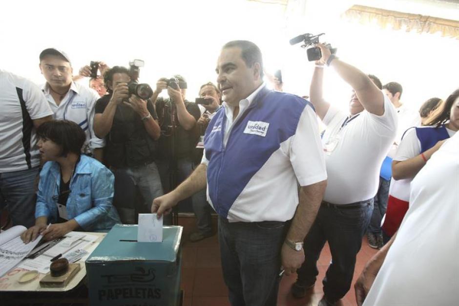 Antonio Saca es el candidato por el Movimiento Unidad, una coalición de partidos de derecha. Fue presidente de El Salvador en el período 2004 - 2009. (Foto: EFE)