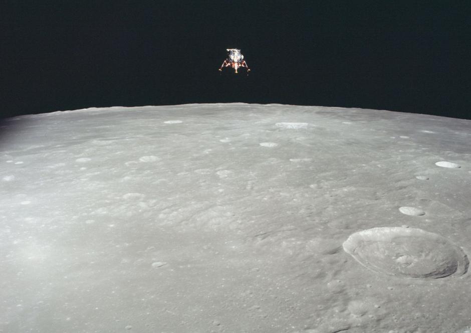 En la órbita de la luna, a punto de aterrizar, desde el Apolo 12, en noviembre de 1969. (Foto: Nasa)