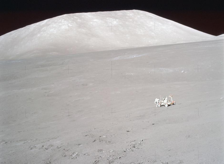 Transporte usado en la superficie lunar, durante el viaje del Apolo 17. (Foto: Nasa)