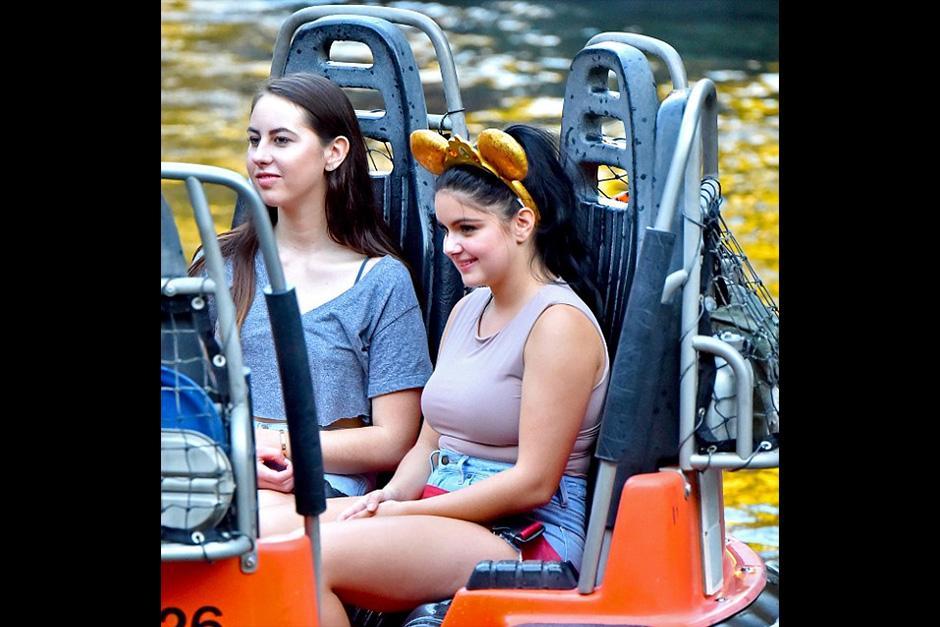 Ariel disfrutó de los juegos y actividades del parque de Disney. (Foto: dailymail)