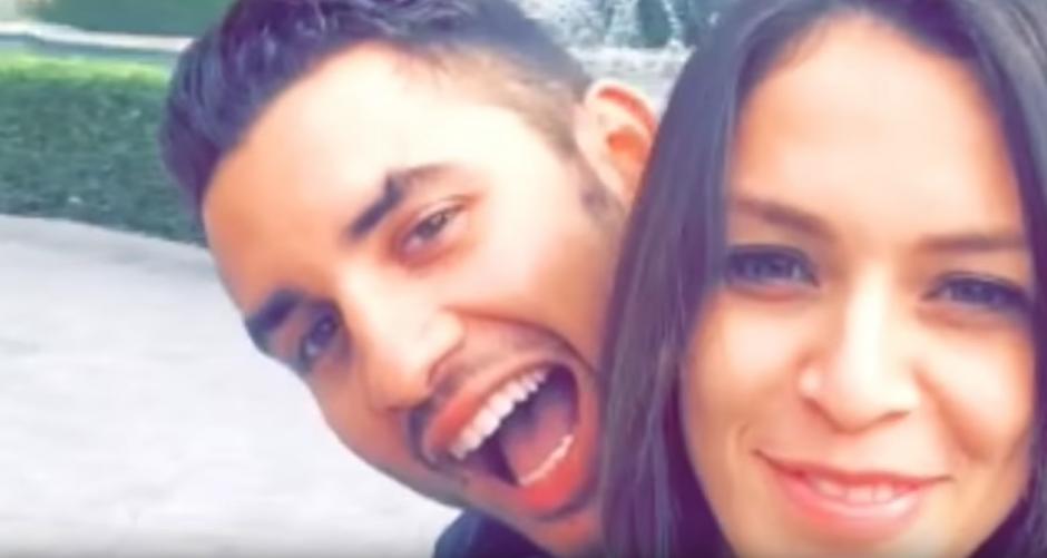 El romance no faltó en el clip. (Foto: YouTube)