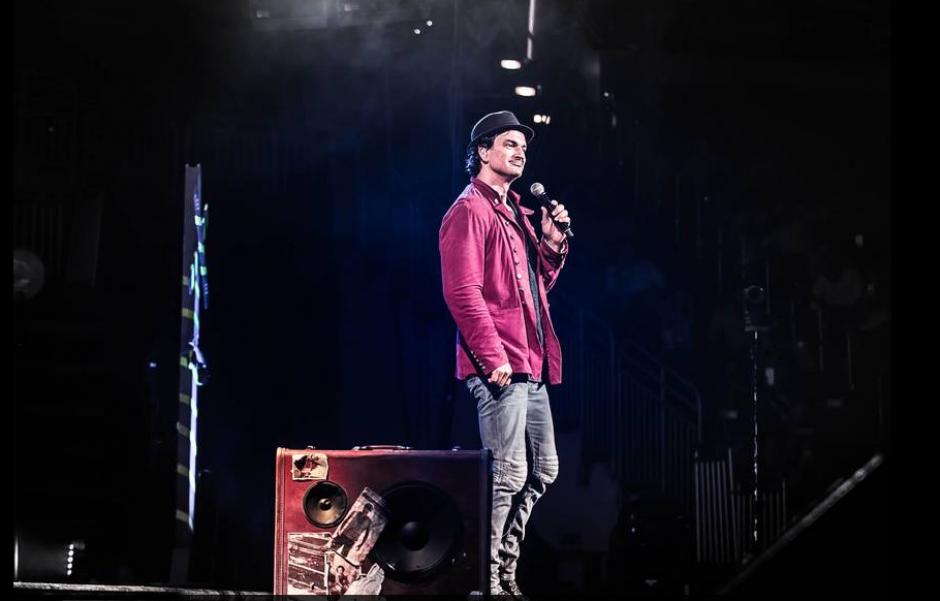 Arjona confiesa que es un adicto al trabajo, él mismo dirige los shows y sus porducciones musicales. (Foto: El Clarín)