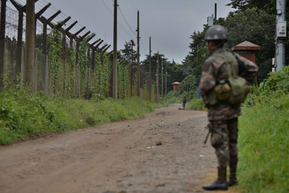 En las diligencias participan elementos del Ejército de Guatemala. (Foto: Wilder López/Soy502)