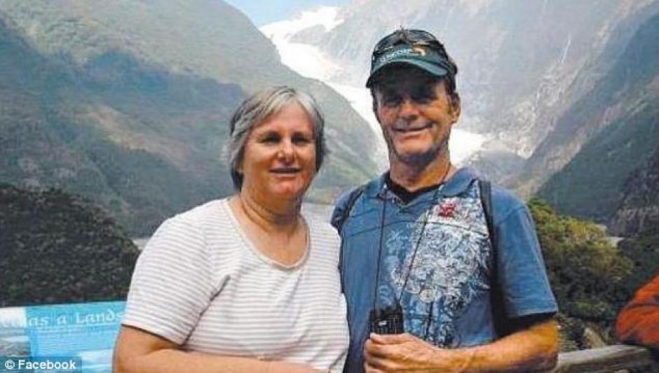 Catherine y Robert Lawton una pareja de jubilados habían decidido pasar unas vacaciones en Malasia. (Foto: Catherine y Robert Lawton/Facebook)