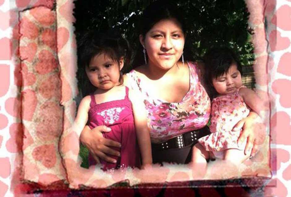 En la fotografía Deisy García de 22 años y sus hijas Daniela Mejía y Yaslin Mejía, de 2 y 1 año, respectivamente