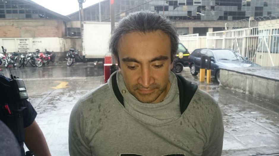 Victor Sampuel se encuentra en Torre de Tribunales, mientras se esclarece su situación. (Foto: PNC)