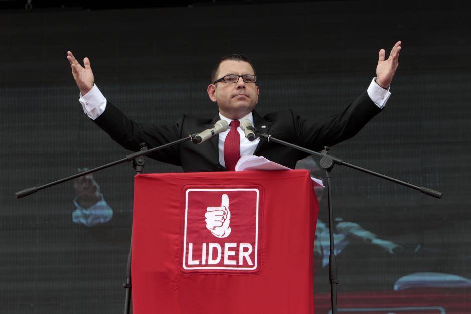 Lejos quedó aquella imagen de Manuel Baldizón gritando a los cuatro vientos que sería presidente del país, pero no logró pasar a segunda vuelta. (Foto: Alexis Batres/Soy502)