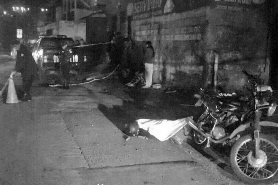 Un motorista fue asesinado en el asentamiento Nuevo Amanecer, en la ruta hacia Ciudad Real, zona 12. (Foto: PMT de Villa Nueva)