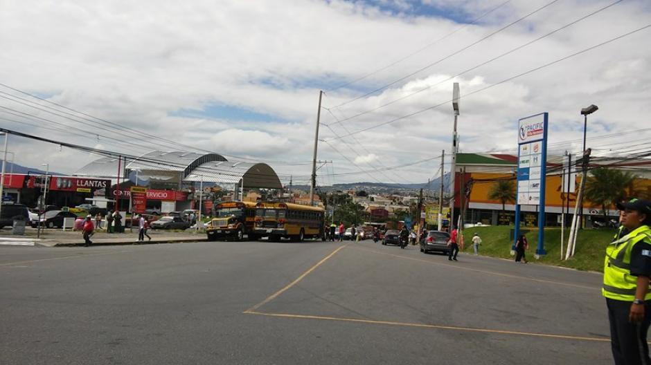 Un piloto perdió la vida en el ataque armado en San Miguel Petapa. (Foto: Verónica Gamboa/Soy502)