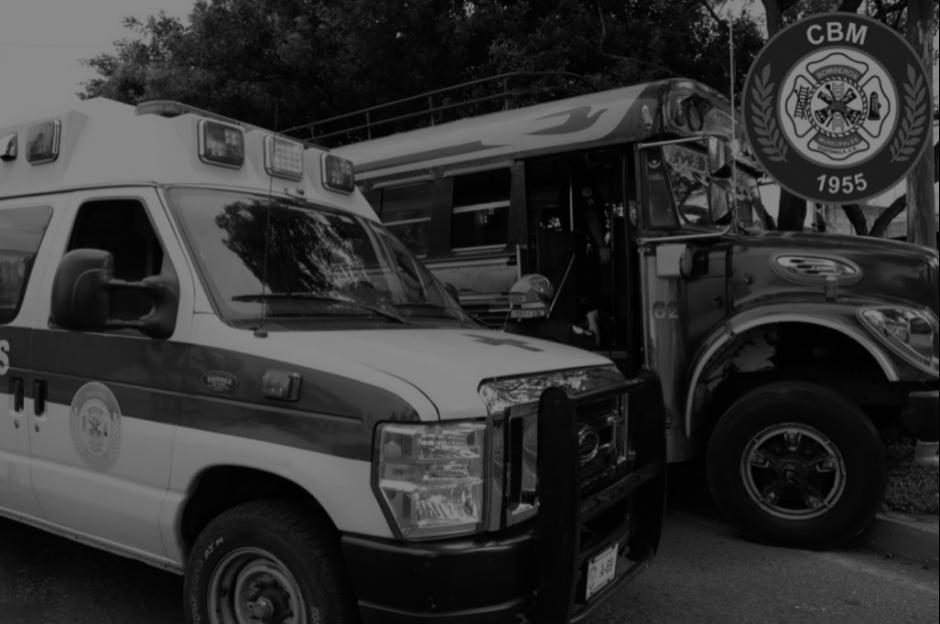 Uno de los pilotos falleció en el lugar, dos más fueron trasladados a un centro asistencial. (Foto: Twitter/Bomberos Municipales)