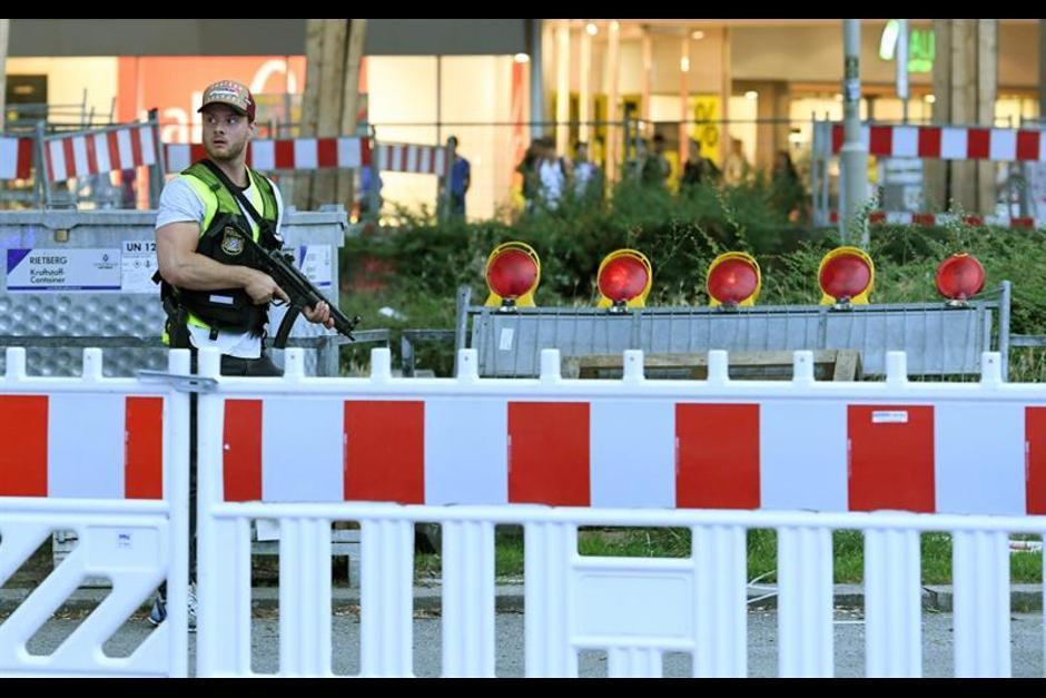 El ataque ocurrió este viernes 22 de julio en el centro comercial Olympia. (Foto: EFE)