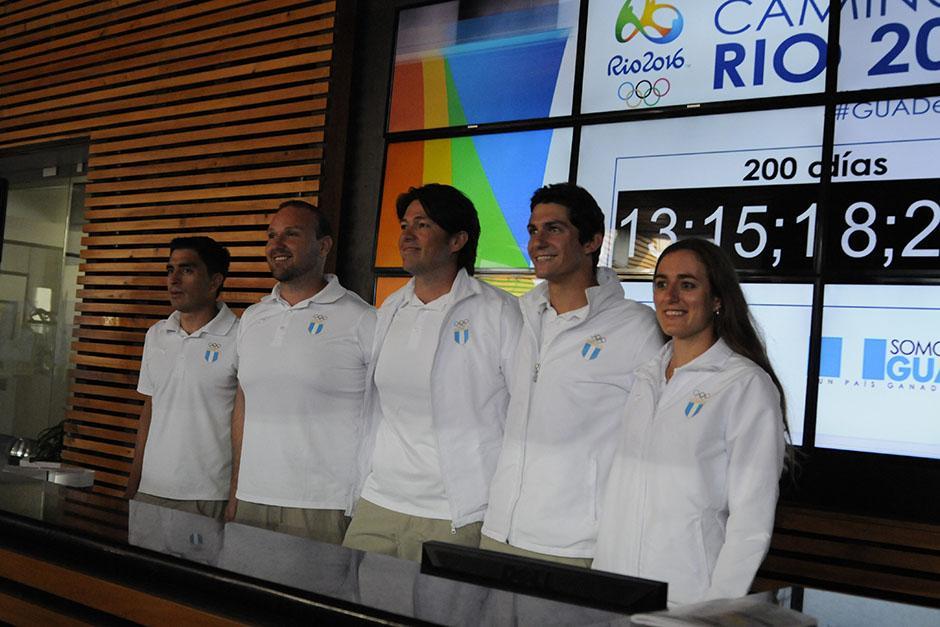 En el Palacio de los Deportes en la zona 5, se instaló una pantalla gigante con un cronómetro que registra la cuenta regresiva para Río 2016. (Foto: Soy502)