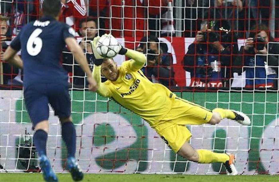 Este gol acercaba al Bayern Munich en el global, pero al final no le bastó. (Foto: AFP)