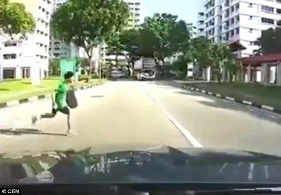 El accidente tuvo lugar en una zona residencial de Singapur. (Imagen: Daily Mail)