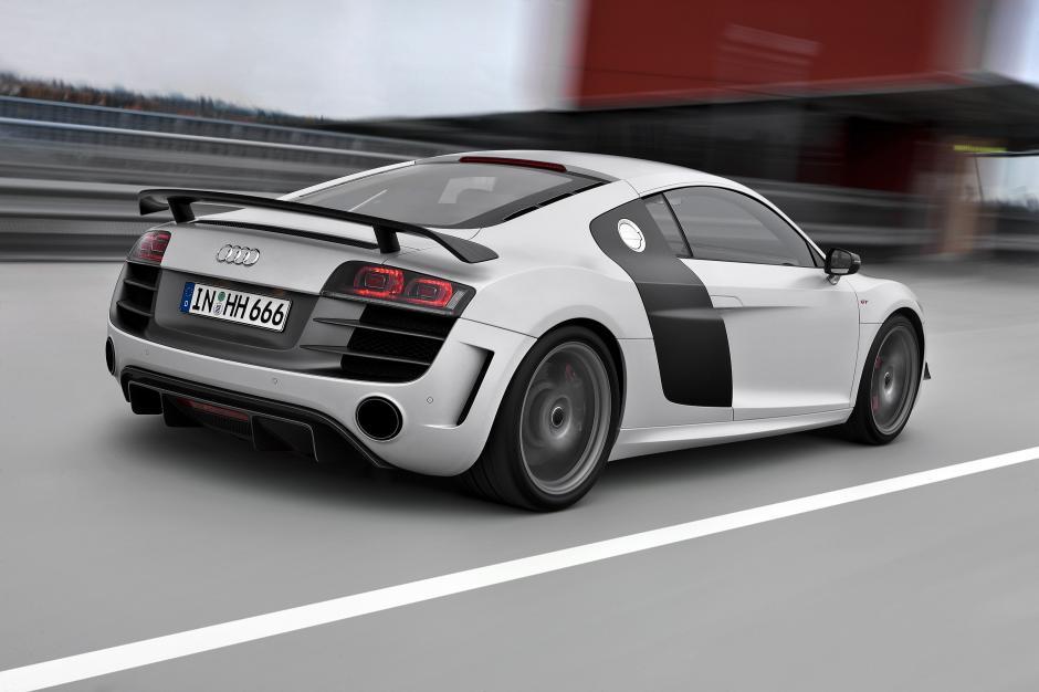 Un Audi R8 del 2010, también es reclamado por el padre del actor. (Foto:automobilesreview.com)