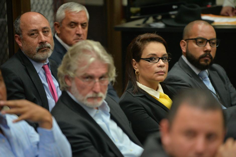 Los acusados tomaban notas mientras escuchaban el audio de Juan Carlos Monzón. (Foto: Jesús Alfonso/Soy502)