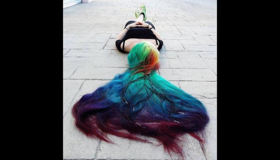 Incluso lo hizo al estilo arcoíris en una ocasión. (Foto: Treelocks/Instagram)