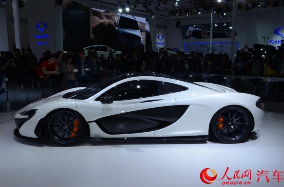 Un modelo McLaren P1 en exhibición durante la decimotercer Exhibición Internacional Automotriz de Beijing. (Foto:china.org.cn)