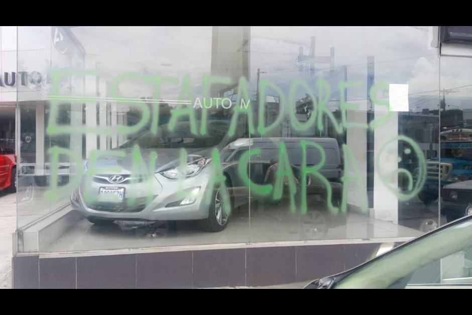 El local de Auto Millenium fue cerrado sin aviso a los clientes. (Foto: Archivo)