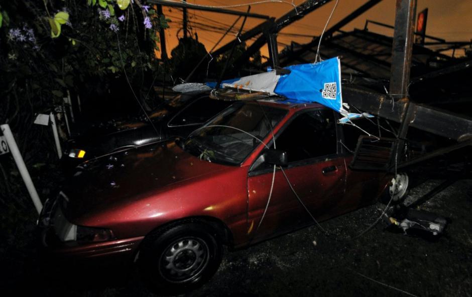 Los autos fueron dañados en su estructura. (Foto: Byron de la Cruz/NuestroDiario)