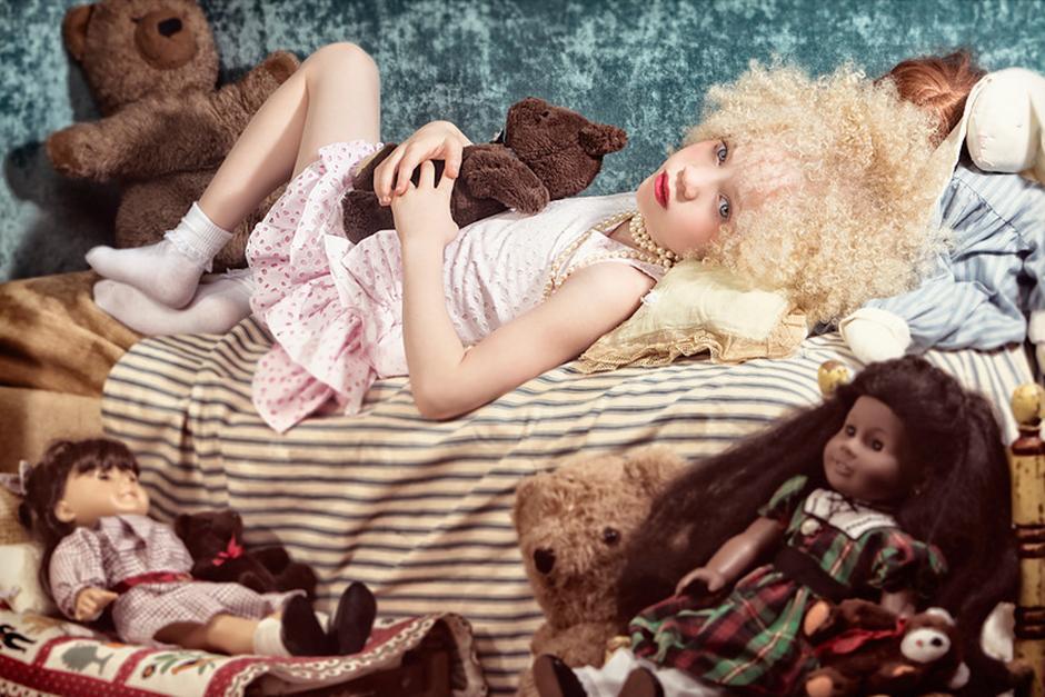La pequeña tiene ojos azules y cabellera rubia. (Foto: TheAvaClarke.com)