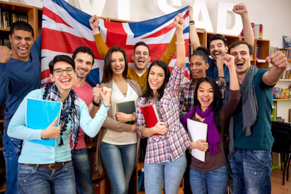 El Programa de Becas Chevening ofrece oportunidades para guatemaltecos interesados en posgrados. (Foto: acaassistance.com)