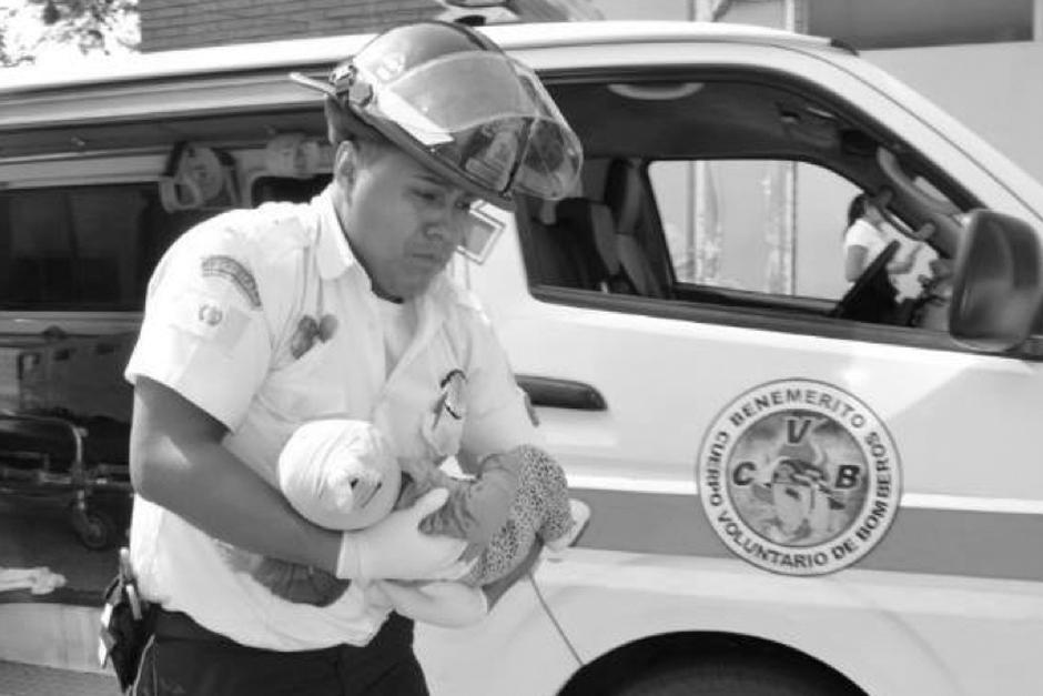 La menor fue trasladada al Hospital General San Juan de Dios. (Foto: Twitter/Bomberos Voluntarios)