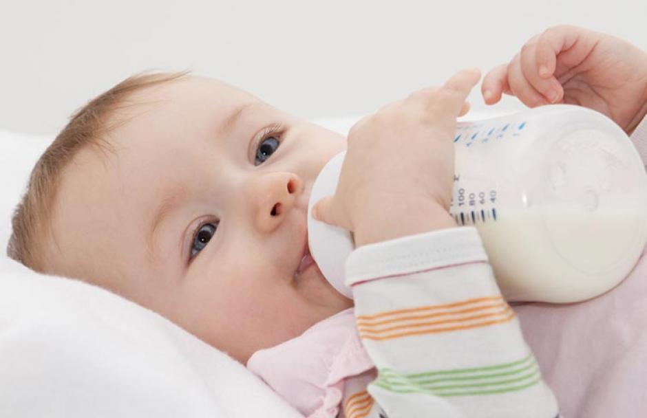 Los biberones son los productos que usan los bebés con mucha frecuencia, por lo que deben ser suplantados cada poco tiempo. (Foto: Azteca Sonora)