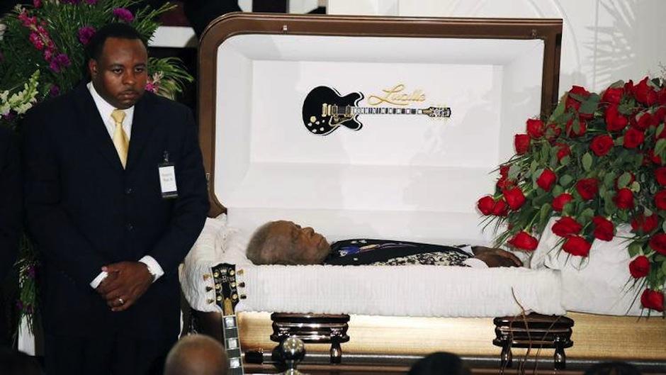 La muerte de BB King fue motivo de polémica, ya que familiares acusaron a colaboradores de haberlo envenenado, meses antes de su muerte en Las Vegas. (Foto: Chicago Tribune)