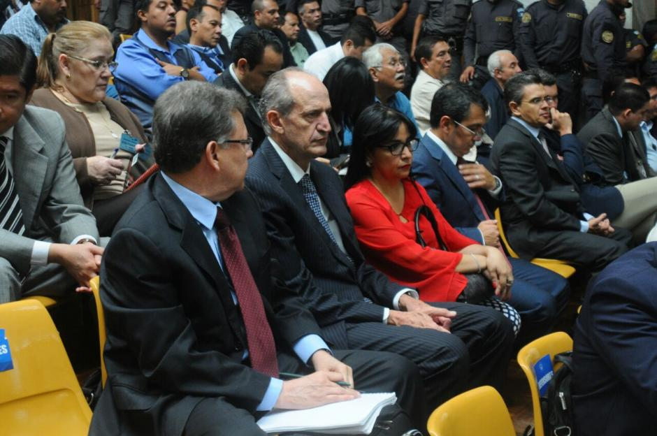 Los sindicados en el caso Cooptación del Estado escuchan la intervención de la abogada de la CICIG. (Foto: Alejandro Balan/Soy502)