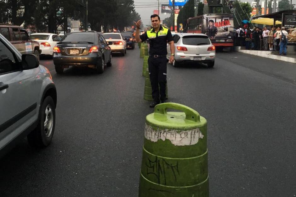 A inmediaciones de ese centro comercial se genera un embotellamiento por la parada de buses. (Foto: Municipalidad de Mixco)
