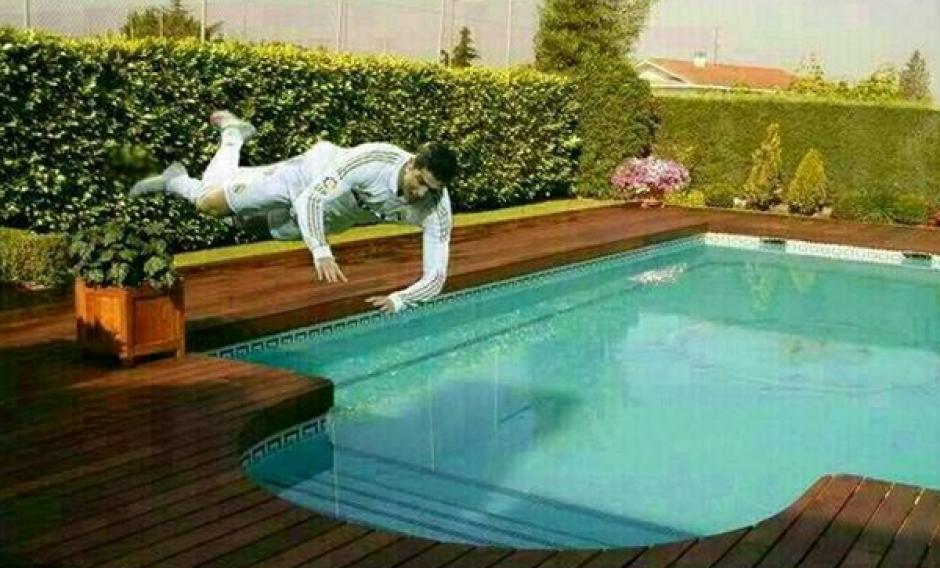 Los piscinazos de Cristiano Ronaldo. (Foto: Twitter)