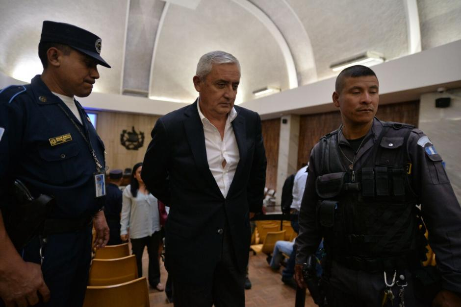 El helicóptero fue un obsequio para Otto Pérez Molina. (Foto: Wilder López/Soy502)