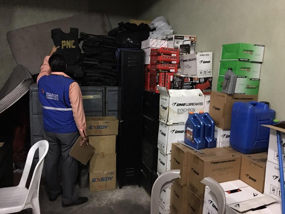 Se localizaron los suministros sin ninguna supervisión de inventario. (Foto: PDH)
