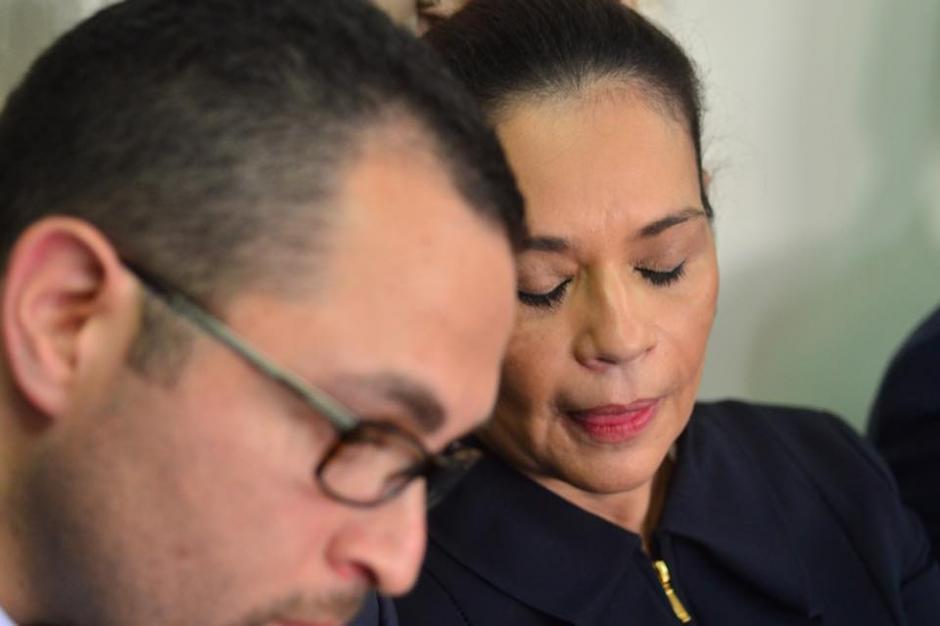 Durante la audiencia Baldetti habló con uno de sus abogados. (Foto: Wilder López/Soy502)