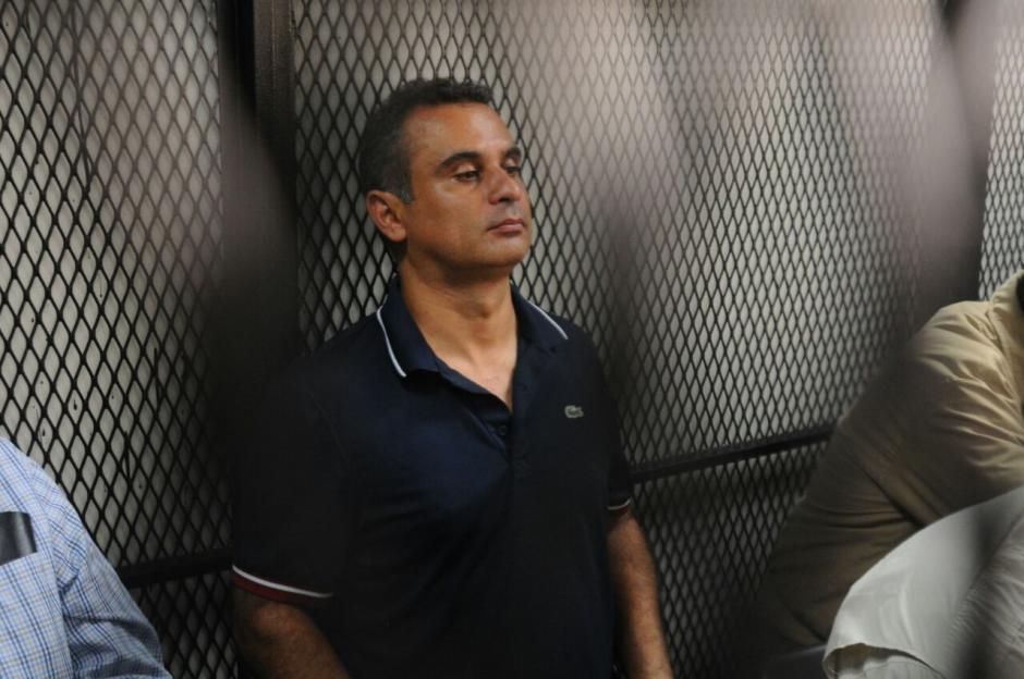 Mario Alejandro Baldetti en la carceleta a espera de la audiencia. (Foto: Alejandro Balan/Soy502)