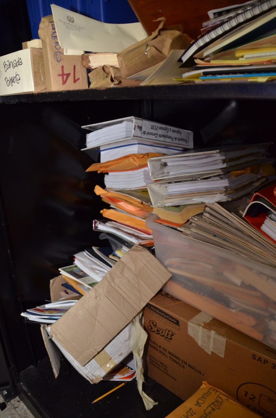 Varios documentos de cuando Baldetti era diputada aún estaban en la oficina. (Foto: cortesía José Castro)