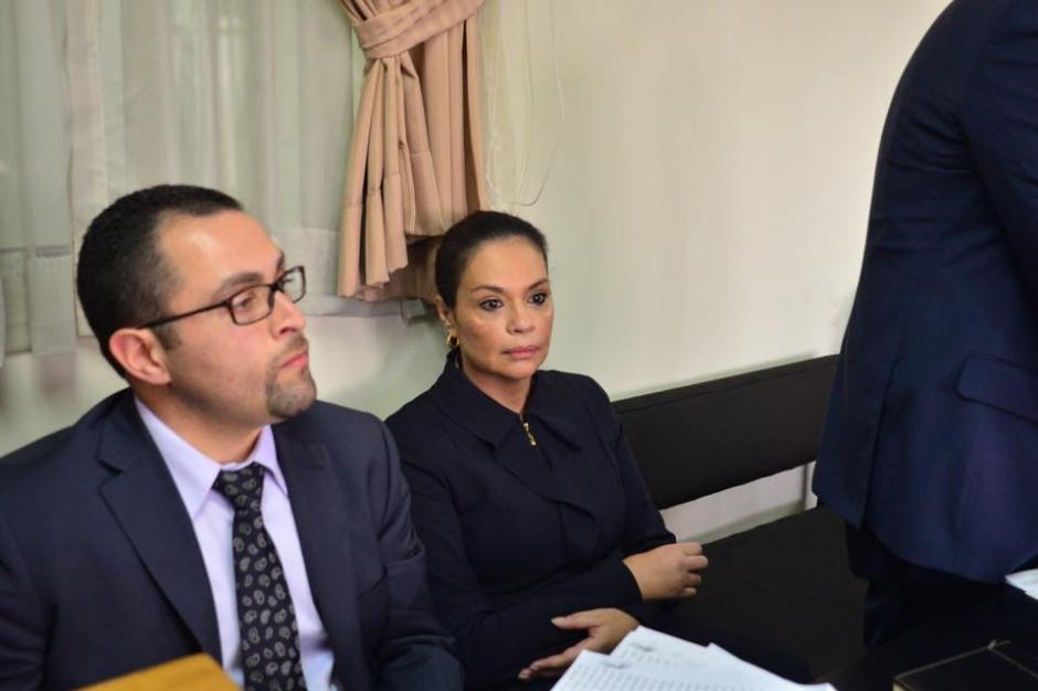 Roxana Baldetti llegó a Tribunales para solicitar que sus bienes no sean motivo de embargo. (Foto: Jesús Alfonso/Soy502)
