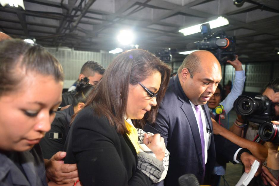 La exvicepresidenta Roxana Baldetti fue llevada desde tempranas horas a la Torre de Tribunales. (Foto: Wilder López/Soy502)