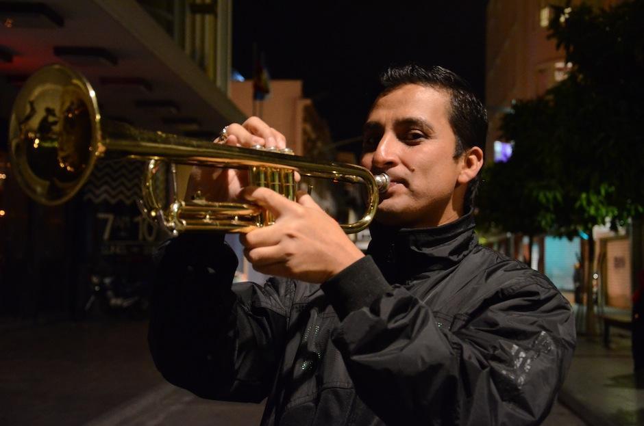 Selvin Guz es director adjunto en La Sacra Armonía. (Foto: Selene Mejía/Soy502)