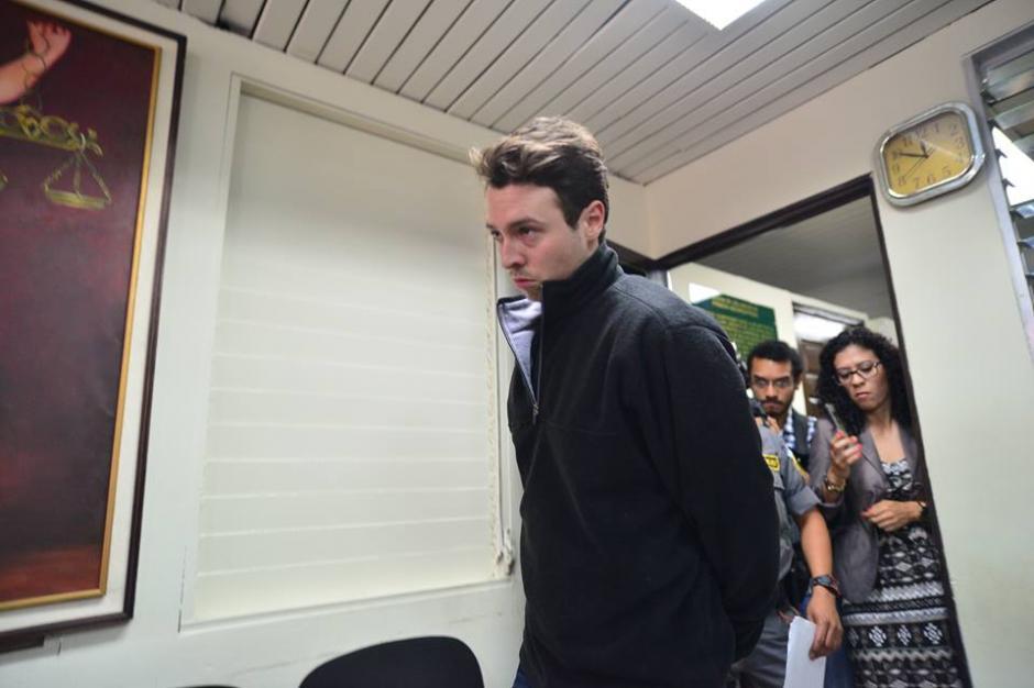 Rodrigo Banús Asturias, de 24 años, fue capturado la tarde del lunes en su casa en el residencial Montichello ruta a El Salvador. (Foto: Wilder López/Soy502)