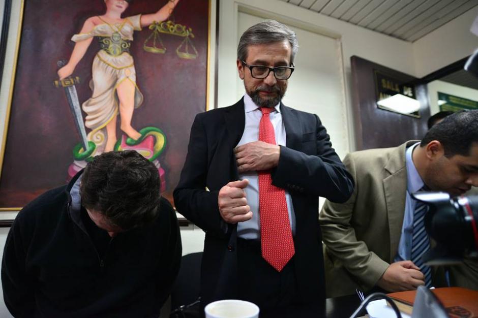 Banús no pasó la noche en las carceletas de la Torre de Tribunales por la ayuda de sus abogados. (Foto: Wilder López/Soy502)