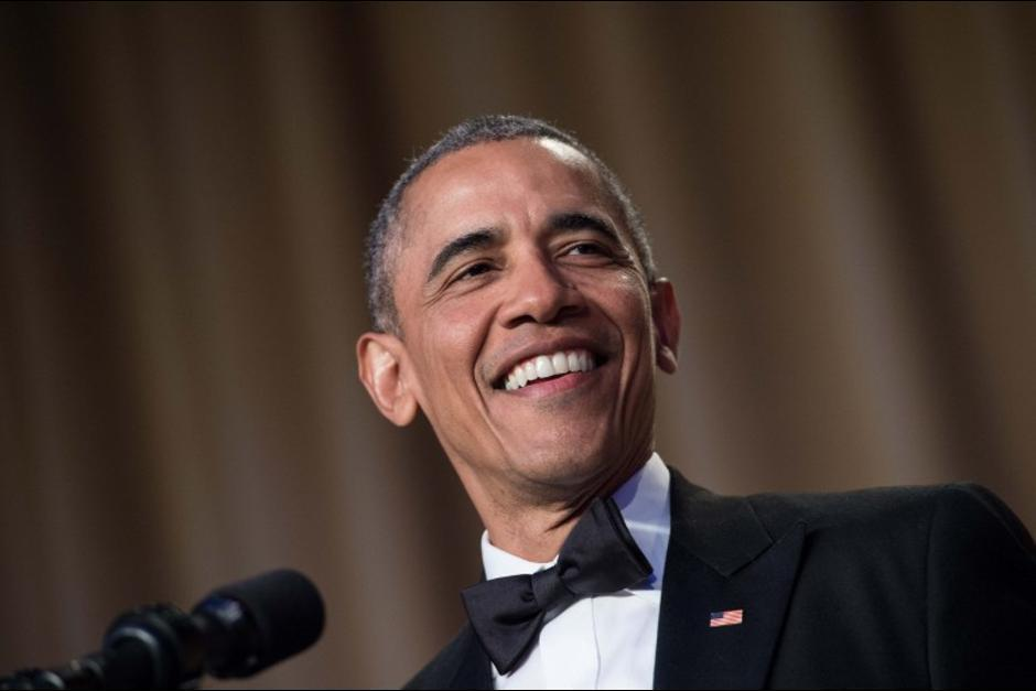 Obama rompió el protocolo durante su discurso y se burló de Donald Trump (Foto: AFP)