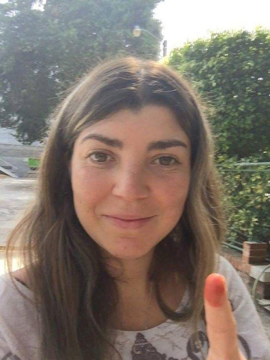 La montañista Bárbara Padilla, luego de emitir su voto. (Foto: Cortesía/Soy502)