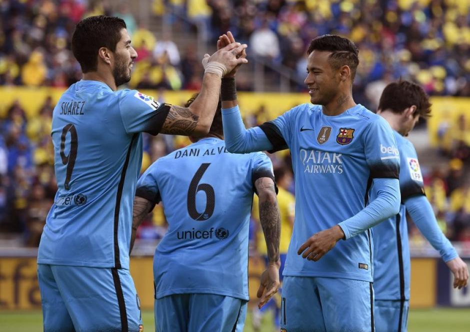 Luis Suárez y Neymar fueron los destacados en la delantera catalana para lograr la victoria. Suárez sumó un gol más y lleva 25 dianas en este torneo. (Foto: AFP)