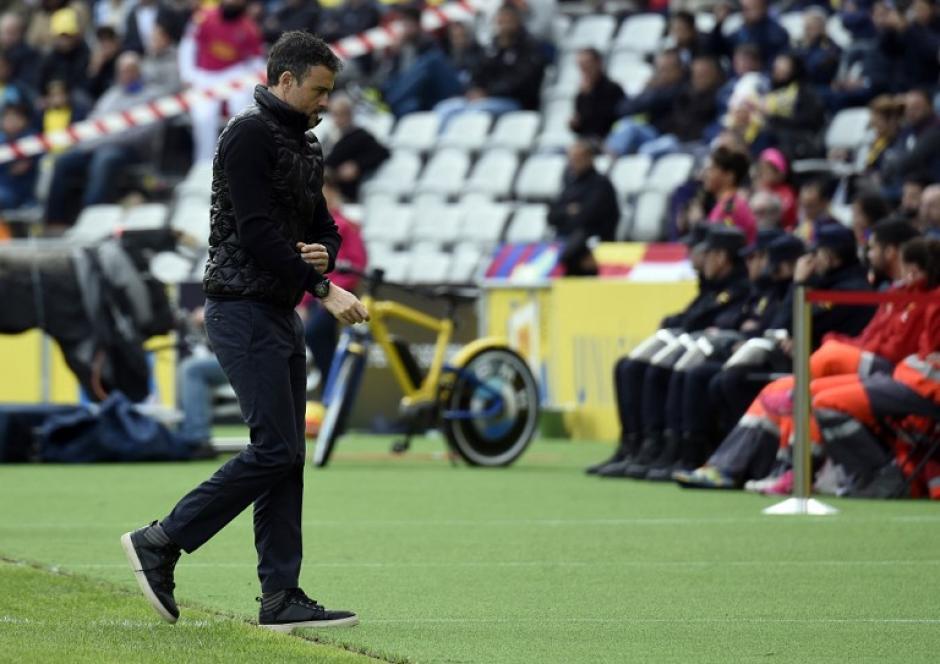 Luis Enrique, entrenador del Barcelona, sufrió desde el área técnica el desarrollo del juego. (Foto: AFP)
