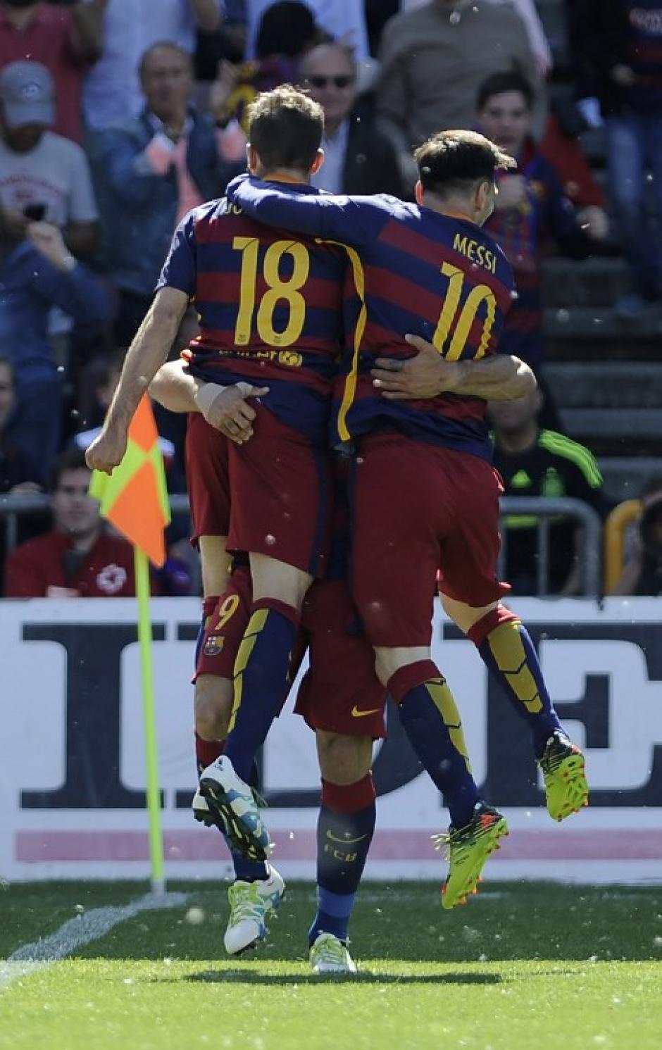 Suárez hizo doblete en el primer tiempo y condujo la victoria de Barcelona. (Foto: AFP)