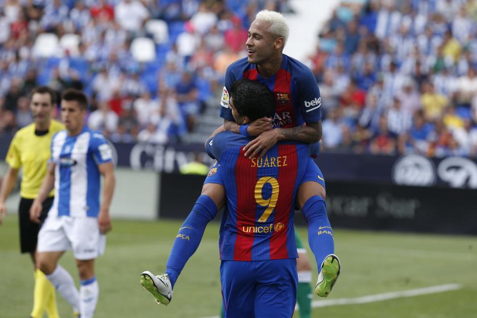 Suárez y Neymar también se sumaron al tablero de goleadores azulgranas. (Foto: EFE)